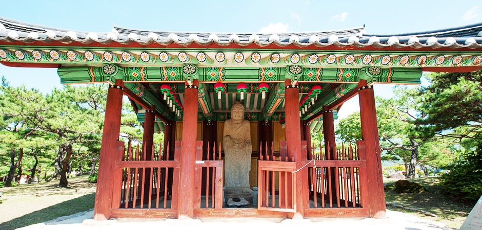 Jecheon Stone Standing Buddha de Cheongpung