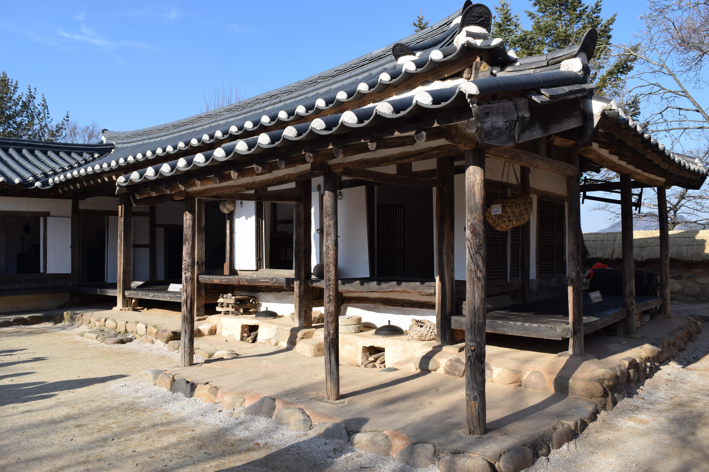 Le patio de l'ancienne Maison Husalli de Cheongpung
