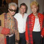 Mino et Hoony du groupe Winner en compagnie de Christopher Bailey lors du défilé 2017 de Burberry pendant la Fashion Week de Londres