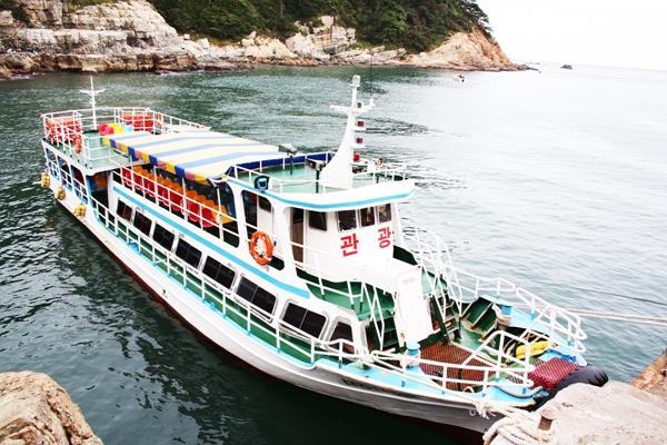 Le bateau de croisière Gunmpo