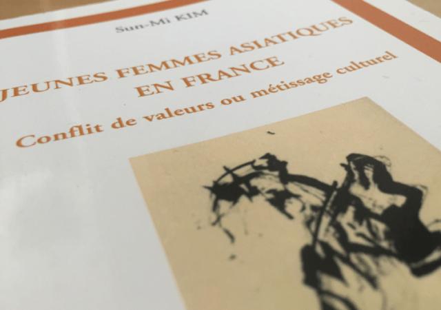 Jeunes Femmes Asiatiques en France