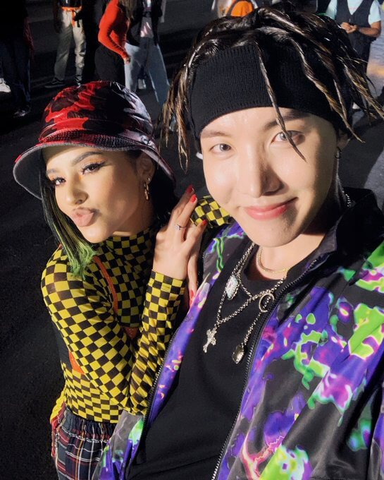 j-hope et Becky G