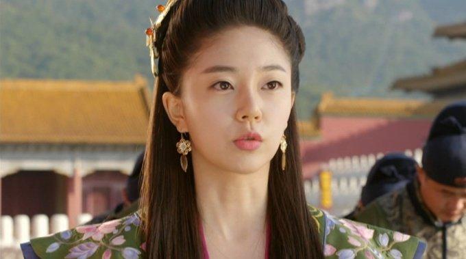 Baek Jin Hee Empress Ki