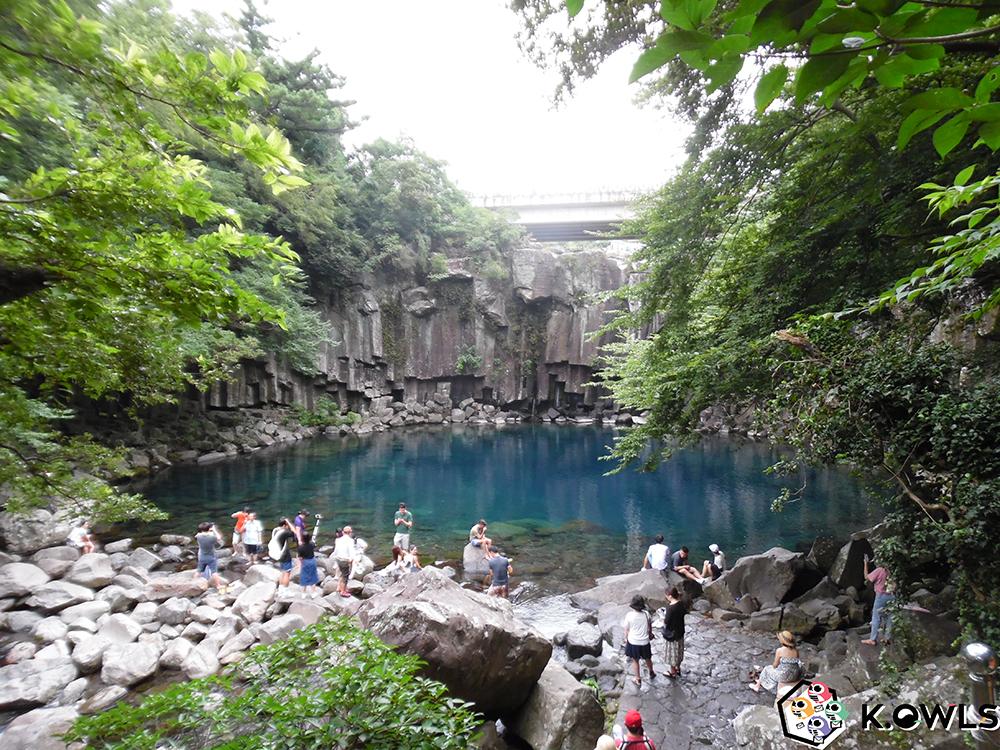 Première cascade Cheonjeyeon